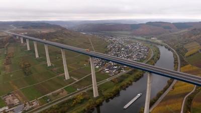 Luftaufnahme der Hochmoselbrücke. (dpa /  Thomas Frey)