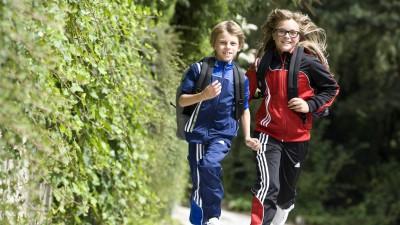 Laufende Kinder rihe11873 - MODEL RELEASED ongoing Children Model Released (imago sportfotodienst)