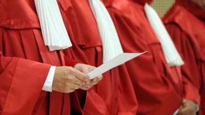 Roben der Richter des Bundesverfassungsgerichts in Karlsruhe (dpa)