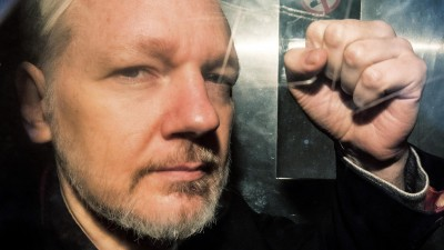 Wikileaks-Gründer Julian Assange am 1. Mai auf dem Weg zum Gericht in London. (AFP / Daniel LEAL-OLIVAS)
