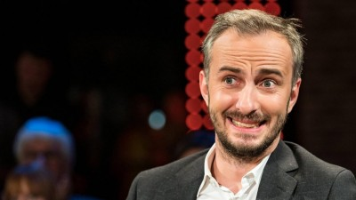 Porträt von Jan Böhmermann,Moderator, und Grimme-Preisträger, aus einer 3nach9 Talkshow. (imago/nordphoto/Ewert)