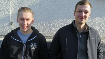 Grim104 und Testo - zusammen sind sie das Berliner Hip-Hop-Duo Zugezogen Maskulin (Torben Waleczek / Deutschlandradio)