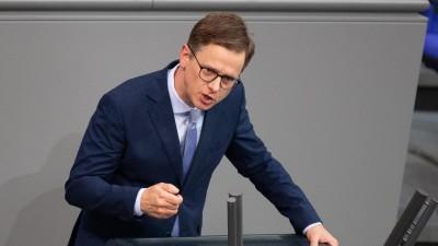 Carsten Linnemann (CDU) spricht bei der Plenarsitzung im Deutschen Bundestag. (picture alliance/dpa/Dorothée Barth)