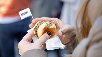 """Der """"Impossible Burger"""", aufgenommen beim 25. Jubiläum von """"Wired"""" im Oktober 2018 in San Francisco (Getty Images/Phillip Faraone)"""