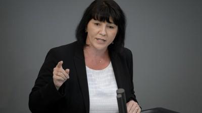 Joana Cotar, AfD, spricht bei der Plenarsitzung des Deutschen Bundestages im Reichstagsgebäude (picture alliance/Sina Schuldt/dpa)