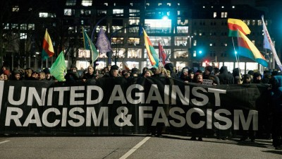 Demonstrationen in Hamburg gegen Rassismus und Faschismus. (dpa/ Markus Scholz)