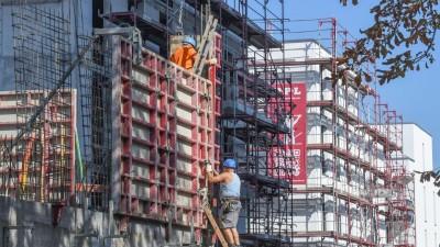 Eigentums- und Sozialwohnungen im Bau in Freiburg. (picture alliance / Winfried Rothermel)