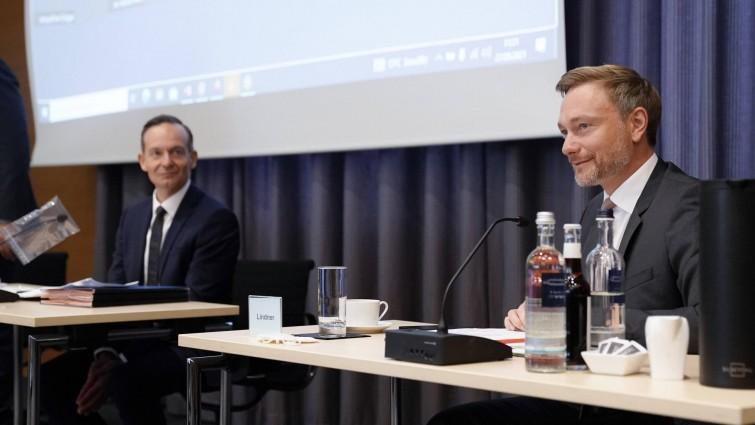 """Newsblog zur Bundestagswahl - +++ FDP beschließt """"Vorsondierungen"""" mit den Grünen +++"""