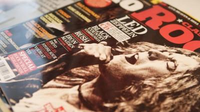 Ausgaben des Classic Rock Magazins mit der Band Led Zeppelin auf dem Cover. (imago/Marius Schwarz)