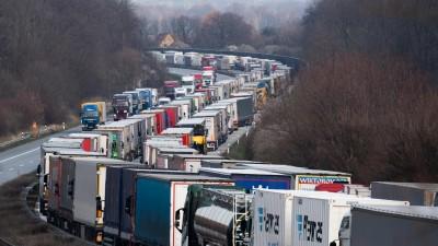 Grenzkontrolle im Schengen-Raum - das falsche Werkzeug in der Corona-Krise (dpa ZB / Robert Michael)
