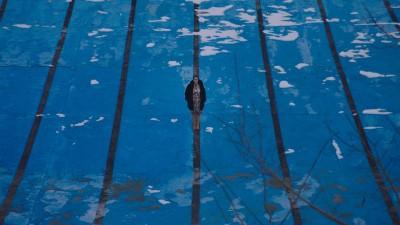 Petrunya im leeren Schwimbad (jip film & verleih)