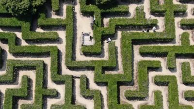 Blick auf ein Labyrinth von oben (picture alliance / ASSOCIATED PRESS / Tetsuya Kikumasa)