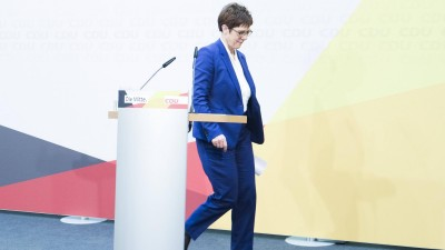 Annegret Kramp-Karrenbauer, Bundesvorsitzende der CDU bei der Pressekonferenz zu ihrem Rückzug vom Parteivorsitz und Kanzlerkandidatur in der CDU Parteizentrale am 10.02.2020 in Berlin Annegret Kramp-Karrenbauer bei PK zu ihrem Rückzug in Berlin *** Annegret Kramp Karrenbauer, Federal Chairwoman of the CDU at the press conference on her withdrawal from party chairmanship and candidacy for chancellor at the CDU party headquarters on 10 02 2020 in Berlin Annegret Kramp Karrenbauer at PK on her withdrawal in Berlin  (Imago)