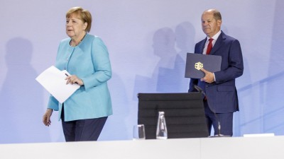 Pressekonferenz zur Vorstellung des Konjunkturpaketes nach dem Koalitionsgipfel von SPD und CDU/CSU. Bundeskanzlerin Angela Merkel, CDU, und mBundesfinanzminister Olaf Scholz, SPD. vl. Berlin 03.05.2020 Berlin Deutschland *** Press conference to present the economic stimulus package after the coalition summit between SPD and CDU CSU Federal Chancellor Angela Merkel, CDU, and Federal Minister of Finance Olaf Scholz, SPD vl Berlin 03 05 2020 Berlin Germany Copyright: xThomasxImo/photothek.netx (imago images / photothek)