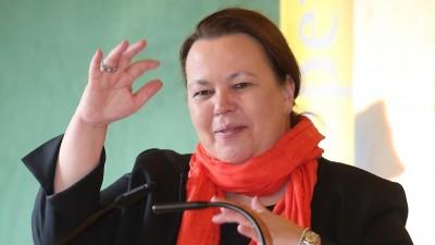 Ursula Heinen-Esser spricht im April 2019 in Ennepetal (picture alliance / ZUMA Wire, Maik Boenisch)