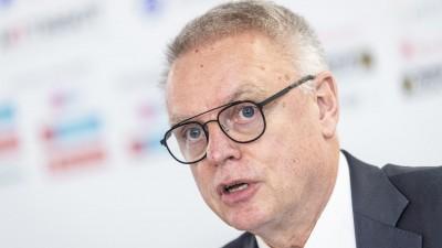 IIHF Generalsekretär Horst Lichtner  (dpa/ picture alliance/ KEYSTONE/ Melanie Duchene)