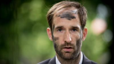 """Philipp Ruch, künstlerischer Leiter des """"Zentrums für Politische Schönheit"""". (imago / CommonLens)"""