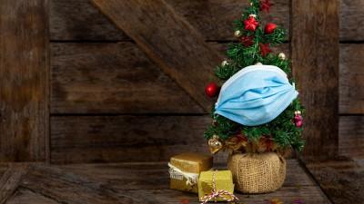 Weihnachten in Corona-Zeiten. (imago images / Chromorange)