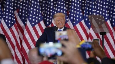Donald Trump und seine Frau Melania bei einem öffentlichen Termin im Weißen Haus am 4. Januar (picture alliance / Consolidated News Photos   Chris Kleponis)