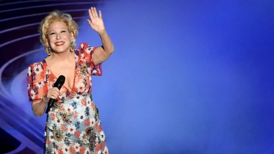 Die Sängerin Bette Midler auf der Bühne im Dolby Theatre in Hollywood 2019 (Getty Images / Kevin Winter)