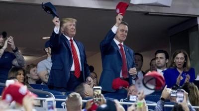 US-Präsident Donald Trump besucht das Baseball-Finale der World Series zwischen den Houston Astros und den Washington National. (dpa / picture alliance / Andrew Harnik)
