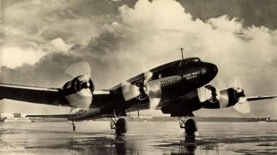 """Eine Focke-Wulf Fw 200 """"Condor"""" auf einem Rollfeld. (imago / Arkivi)"""