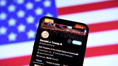 Donald Trump auf Twitter gesperrt Am 09.01.2021 wurde US-Präsident Donald Trump dauerhaft von Twitter gesperrt. Trump hatte über 88 Millionen Follower (dpa / picture alliance / Revierfoto)