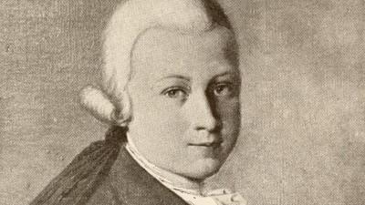 Der sehr jugendliche Mozart in einer Zeichnung. (imago images / Design Pics)